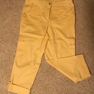 Chico's yellow capris size 2.5 (large)